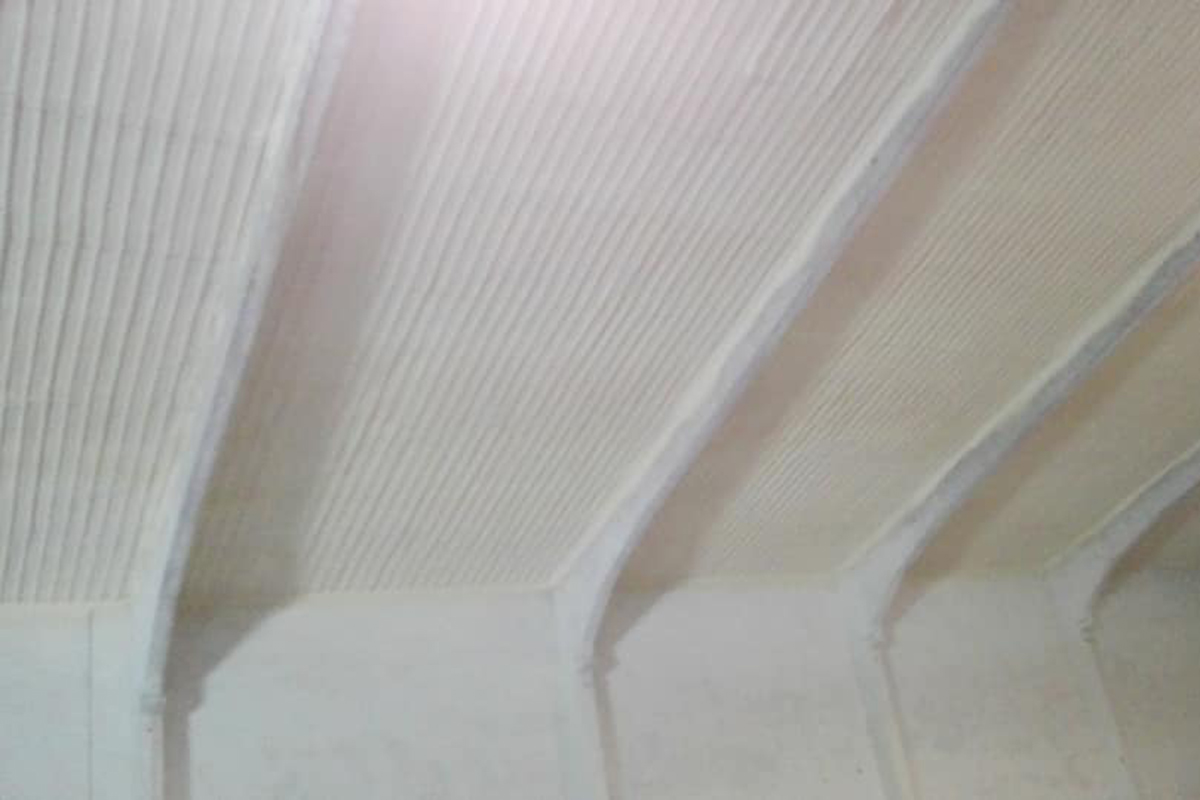 Thermo-acoustic insulation systems with sprayed polyurethane 01
