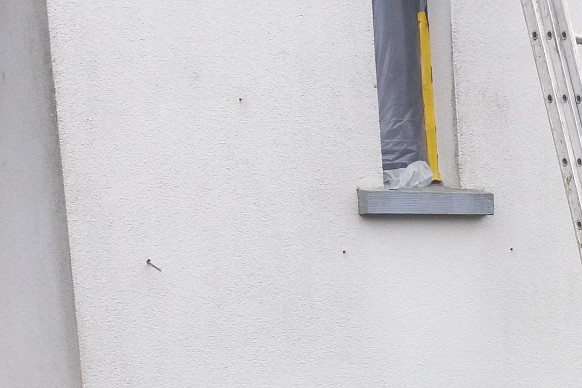 Jak wstrzykiwać piankę poliuretanowądo ściany?