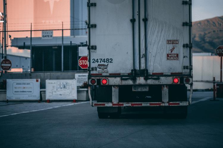 Izolacja poliuretanem pojazdów o kontrolowanej temperaturze