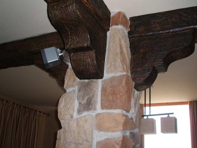 vigas de madera fabricadas con sistemas de poliuretano