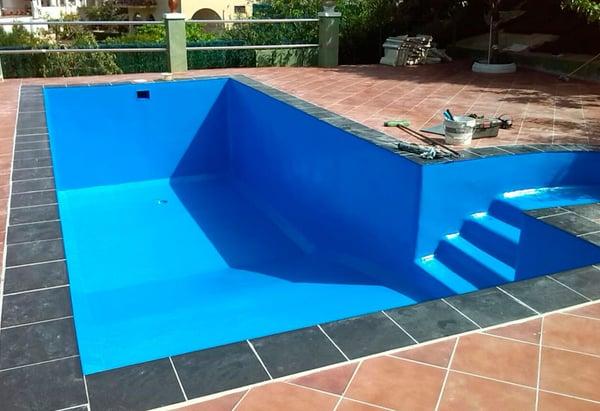 Systèmes d'étanchéité liquides pour piscines
