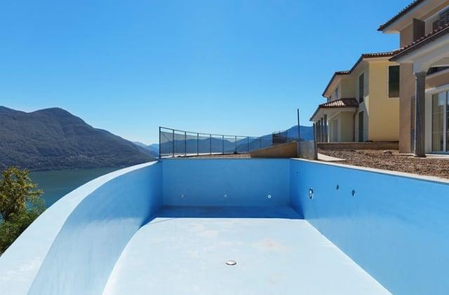 Waterproofing of swimming pool polyurethane elastomer