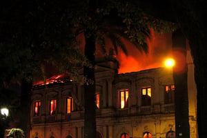 Czy poliuretan jest bezpieczny w przypadku pożaru?