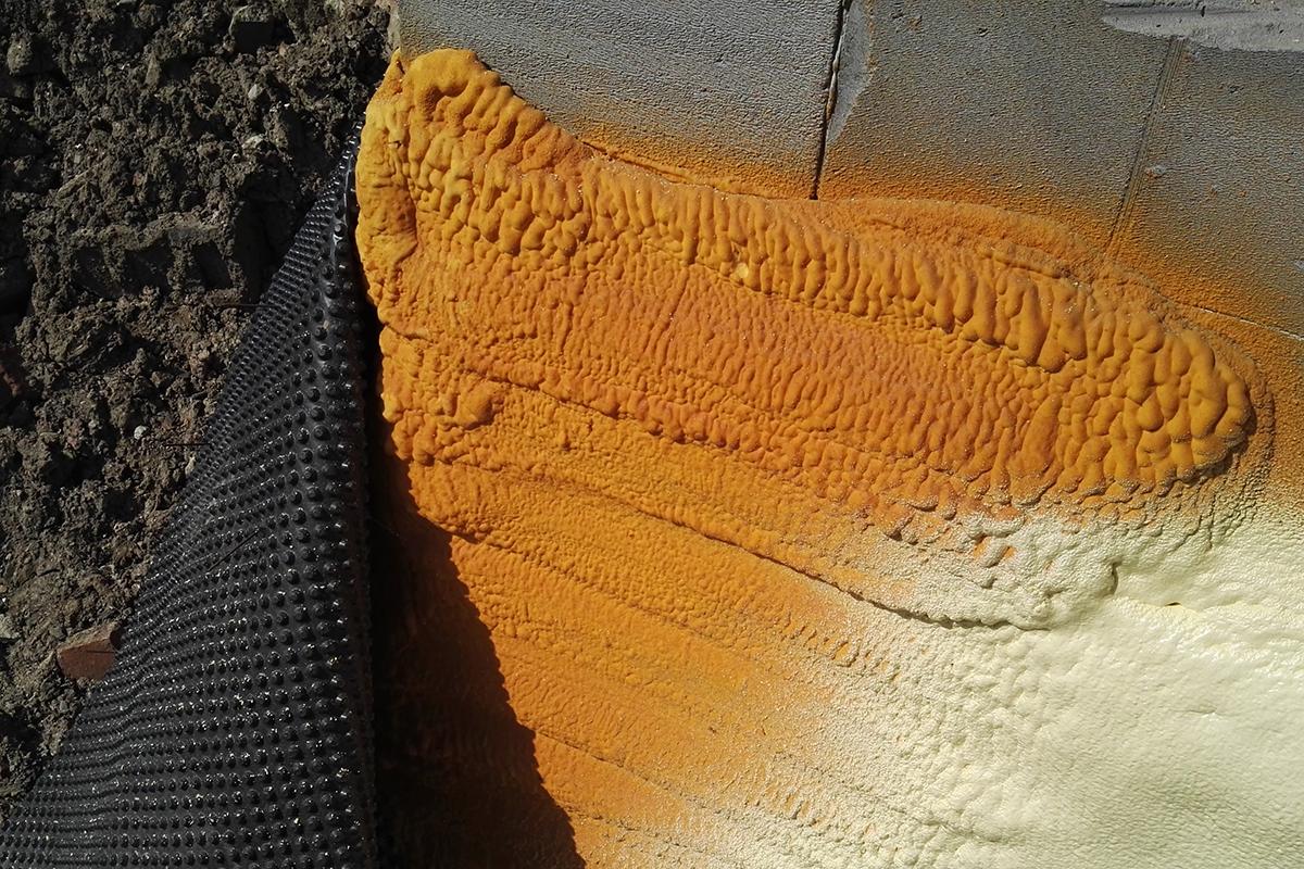 Zalety Poliuretan Spray S-303 HFO do izolacji ścian
