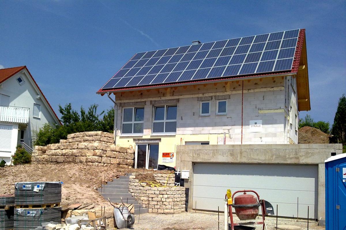 Avantages du polyuréthane projeté pour les constructions Passivhaus